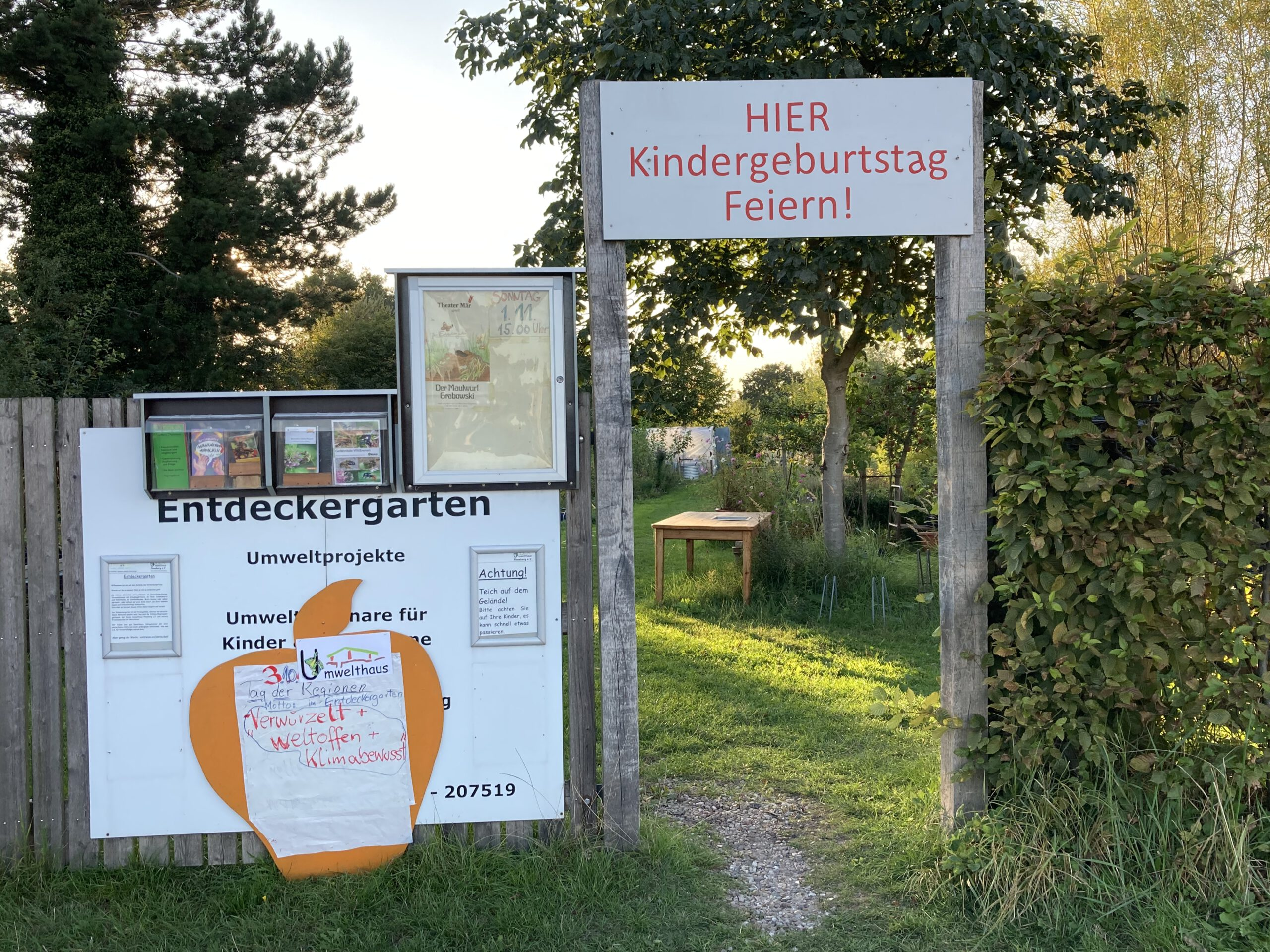 Der Eingang zum Entdeckergarten